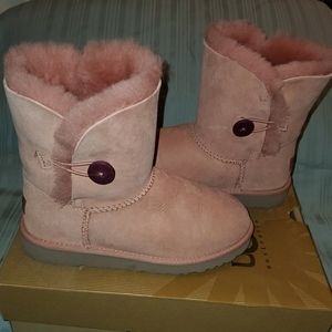 Womens UGG Bailey Button Boots Dusty Pink Sz 6